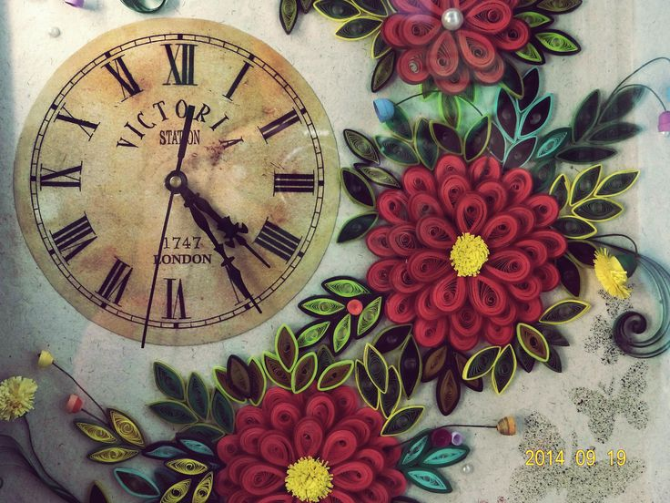Quilled wall clock