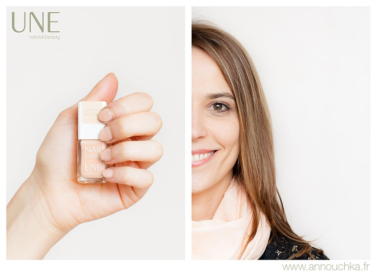 Anne porte la teinte C02. Retrouvez son article sur http://www.annouchka.fr/une-beauty-vernis-a-ongles/