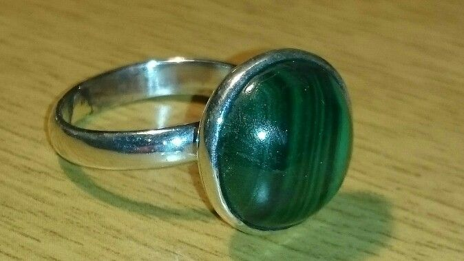 Sterling silver ring with malachite gemstone - Sold