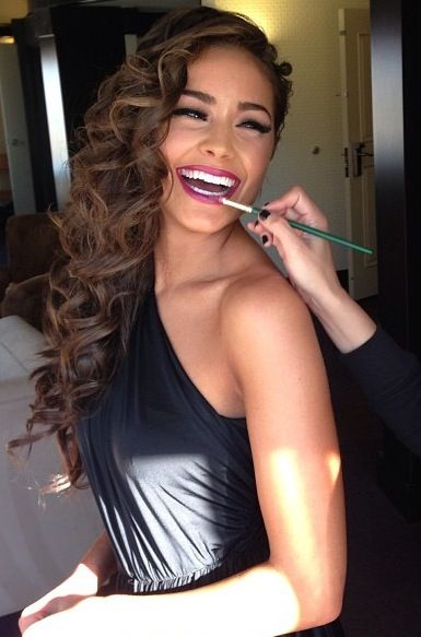 Olivia Culpo Getting Her Makeup Done Gorgeous