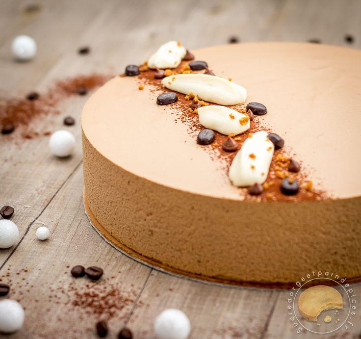 Un beau dessert pour les fêtes et les amoureux de café.