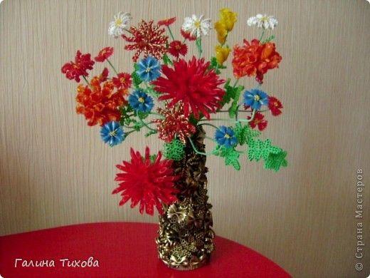 Pour créer un tel bouquet m'a pris: pâtes bouclées, adhésif thermofusible, fil trёhzhilny, une bouteille de ketchup, vaporiser l'émail de couleurs différentes .. Photo 1