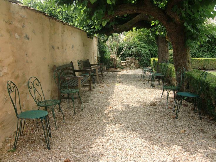 Musée Jean de La Fontaine   Château Thierry, France   garden   chairs   vsbl photography