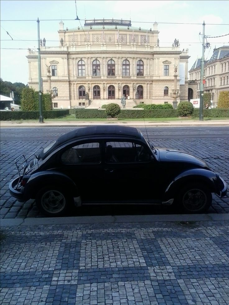 Vintage VW Beetle and the Rudolfinum- my favourite buiding in the city