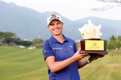 Die Burger - sport Lee-Anne Pace van Mosselbaai wen haar 3de gholftitel in 2013 in China