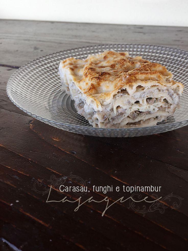Lasagne con crema di topinambur e funghi, ricetta senza uova e latticini. Ricetta vegana.