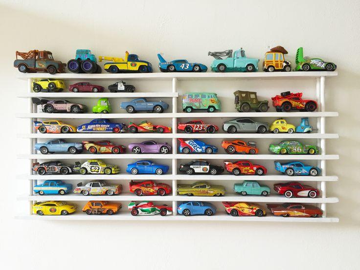 17 best images about speelgoed autorek jongenskamer for Cars autootjes