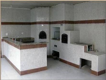 Resultado de imagem para churasqueira com fogão a lenha