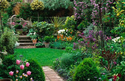 17 best ideas about small city garden on pinterest city for Garden makeover