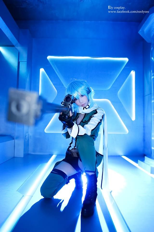 Sword Art Online's Sinon is Cosplayed Perfectly by Ely