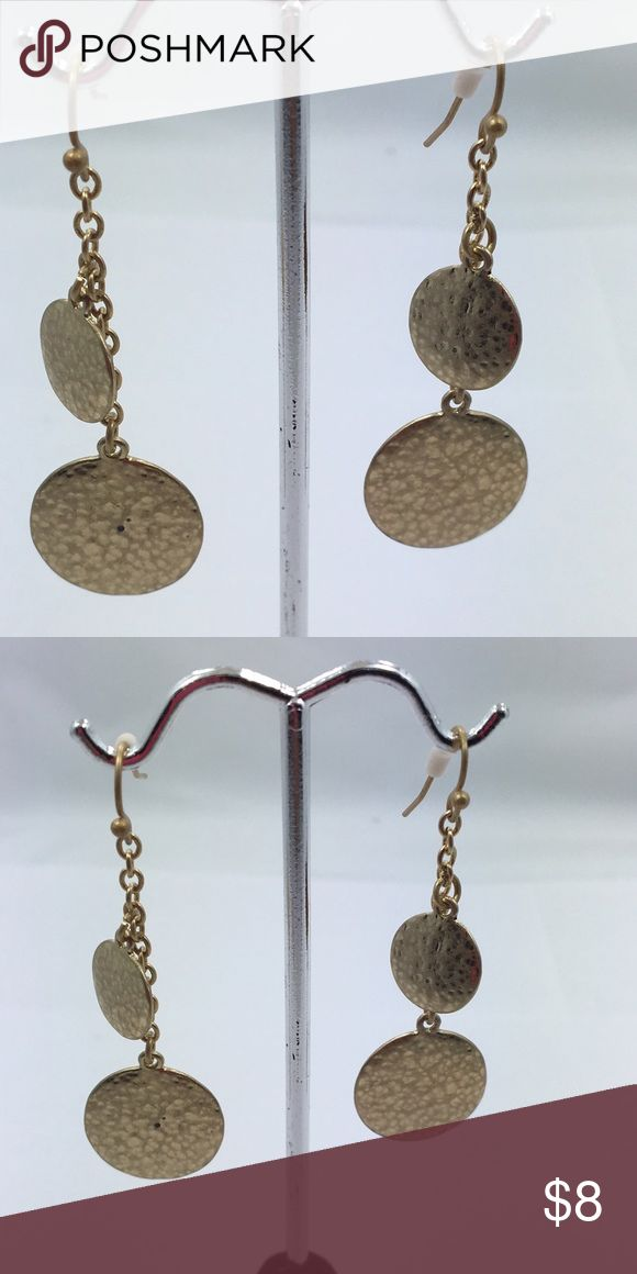 Hanging circle earrings! NWOT Yellow toned circle earrings! Great for holiday gifts! Jewelry Earrings