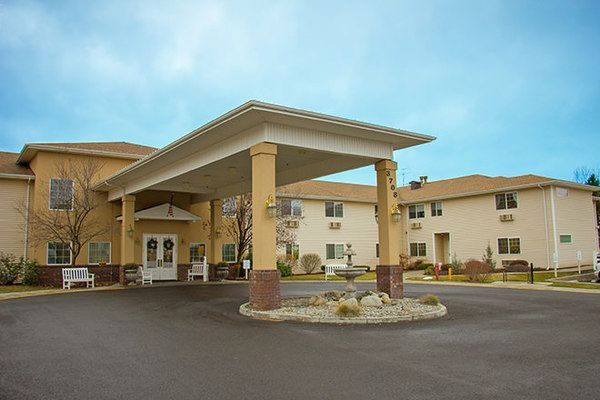 Brookdale South Hill Is An Assisted Living Community Located In Spokane Wa This Is A Large Sized Assisted South Hills Senior Living Communities House Styles
