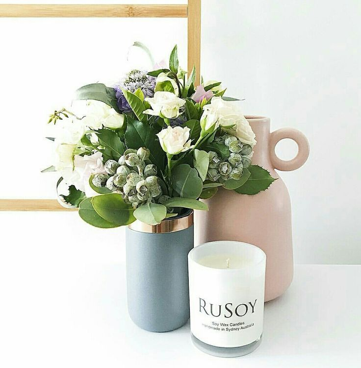 Our gorgeous medium size classic range candle sitting pretty 😍🌹🕯 #rusoy #candles #madewithlove  @rusoy_candles
