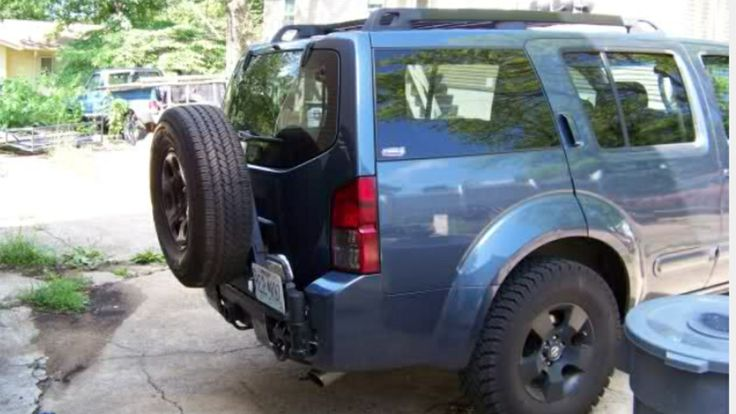 Nissan pathfinder 2006 tire relocation