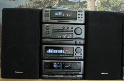 stereo stacks of the 90 39 s stereo2go panasonic. Black Bedroom Furniture Sets. Home Design Ideas