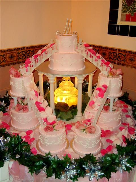 17 Best images about Cakes - Quinceanera on Pinterest ...