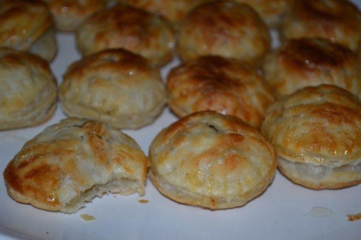 Pastelitos De Carne (Cuban Picadillo Filled Pastries)   Delish D'Lites