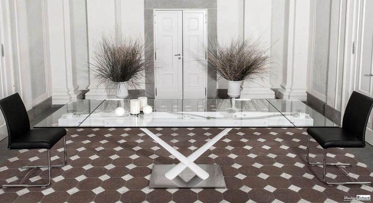 Table extensible - Ceramique - Magasin de meuble Venez découvrir cette magnifique table en verre à Florenville en Belgique à proximité de la France et de la Belgique  http://meubles-design.lu/meubles/index.php?option=com_content&view=article&id=900:table-allongeable-verre-acier-design&catid=135:table-extensible&Itemid=268