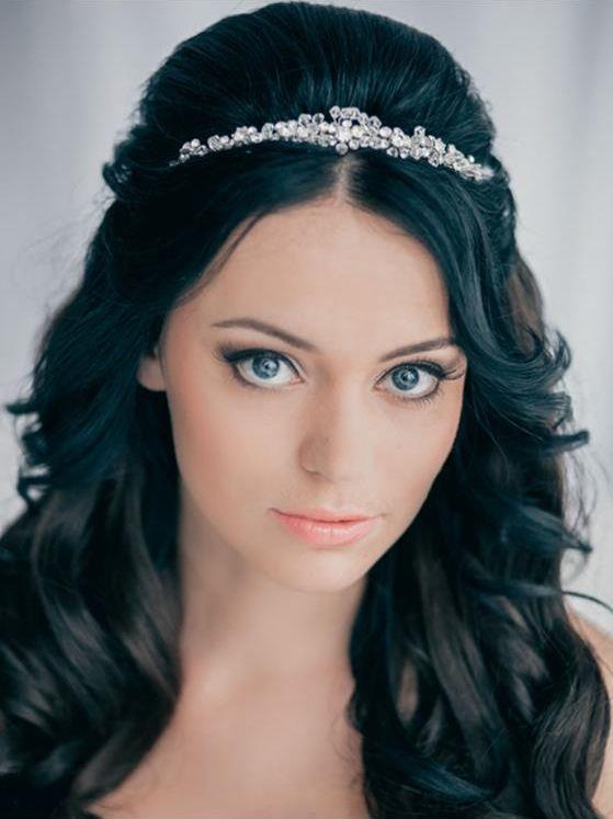 Свадебные причёски с диадемой и фатой | hairwiki.ru
