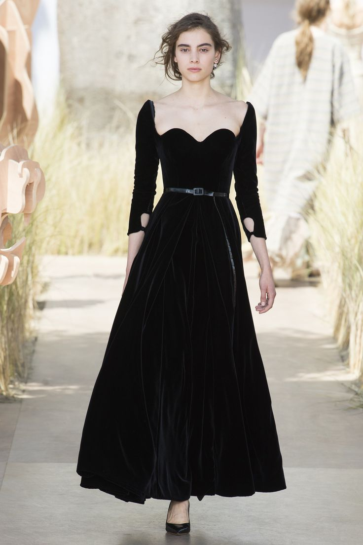 Christian Dior Fall 2017 Couture Fashion Show - Romy Schonberger (Viva)
