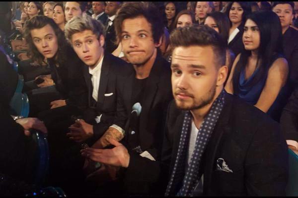 One Direction // BBMAS 2015   @Tati1D5