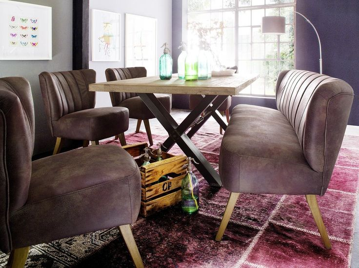 Der Sessel Miami XL im dunkelbraunen Retrolook ist ein absolutes Highlight! Die bequeme Polsterung machen den Sessel zu einem tollen Eyecatcher in jedem Zimmer, den  niemand gerne wieder verlässt.   Die farblich abgestimmten Holzfüße runden das stimmige Gesamtbild perfekt ab. #Sessel #Hocker #Sitzmoebel #Braun #XL #vitage #moebel #möbel #stuhl #moebelpower #moebeltraeume