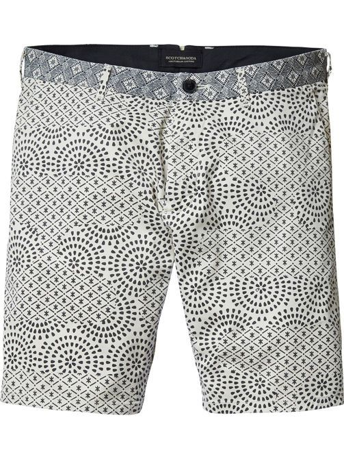 Shorts con estampado en contraste