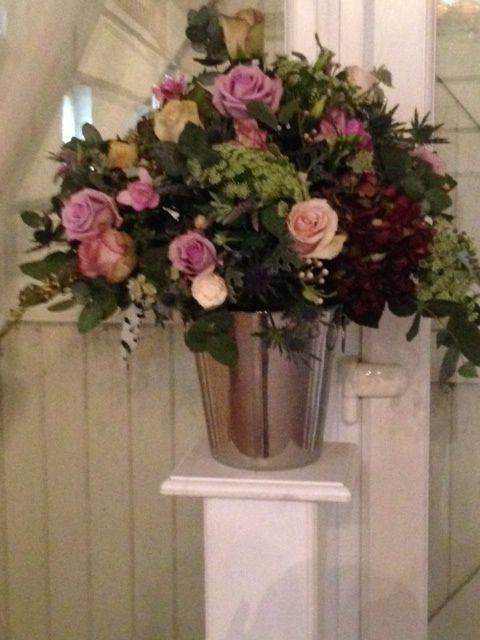 Vintage style wedding pedestal flowers