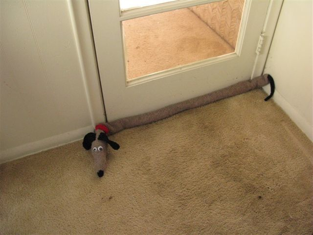 61 best images about door stop and draft stoppers on pinterest free pattern draught excluders - Dog door blocker ...