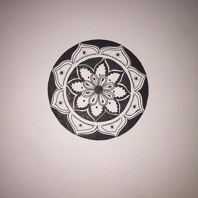 Mandala تايبوجرافيك تايبوجرافى كاليجرافيتي كاليجرافي كلنا رسامين مصممين رصاص اسكتش مصمم جرافيك رسم رسمتى رسمى ر Compass Tattoo Typography Mandala