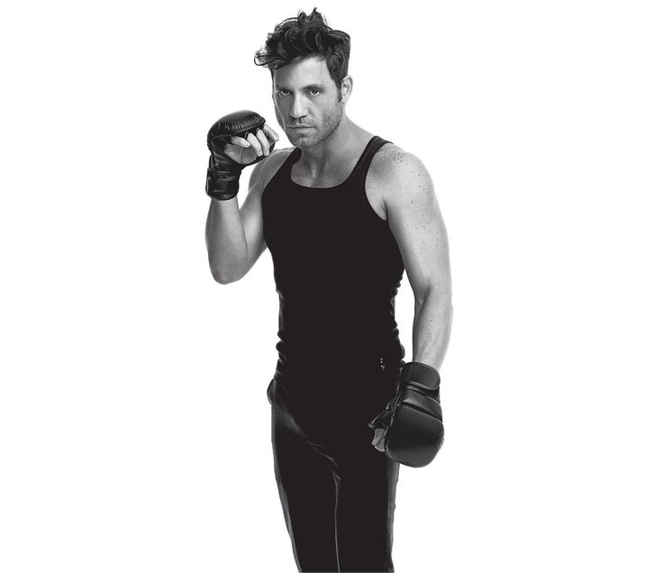 "Ooh, I need a sparring partner.  Q&A: Actor Edgar Ramírez Talks ""Hands of Stone"""