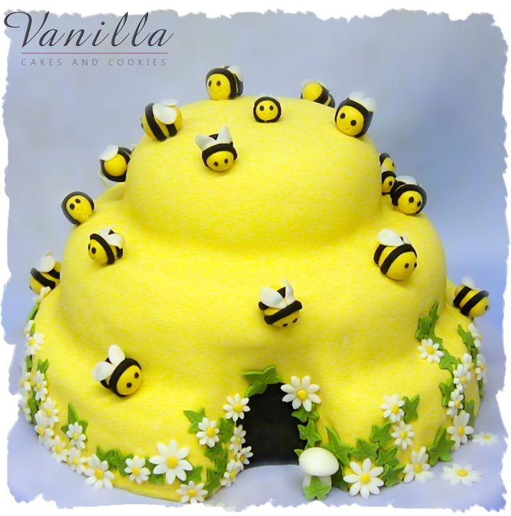 Arı kovanı pasta, www.vanillastudyo.com. Cute beehive cake