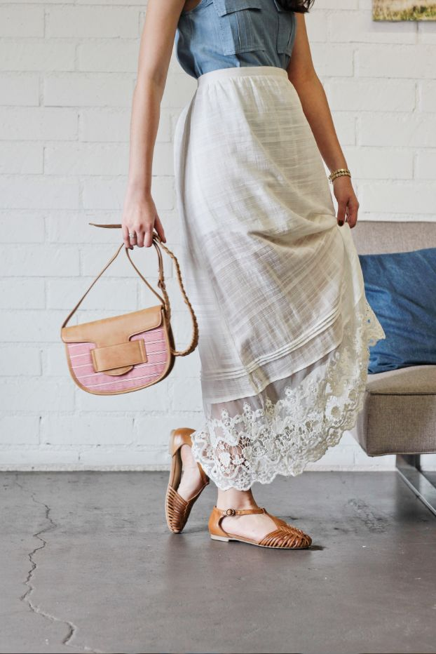 The essential skirt and woven sandals for your next vacation.