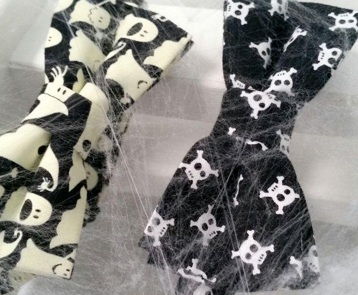Halloween już tuż tuż, a muchy wpadły w sieć #ek #edytakleist #dodatek #styl #look #boy #men #helloween #dziecko #elegant #fosforyzujacamucha #handmade #suit #muchasiada #rzeczytezmajadusze #instaman #neckwear #instagood #instaman #finwal #bowtie #bowties #mucha #muchy #prezent #gift #instalike