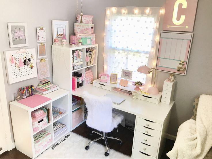 #ikeachairdiybedrooms Büro zu Hause. Möbel aus Ikea und Stuhl aus Haushaltswaren. Büro zu Hause, Planer Schreibtisch, Bastelraum, DIY, Büroeinrichtung, Planer …