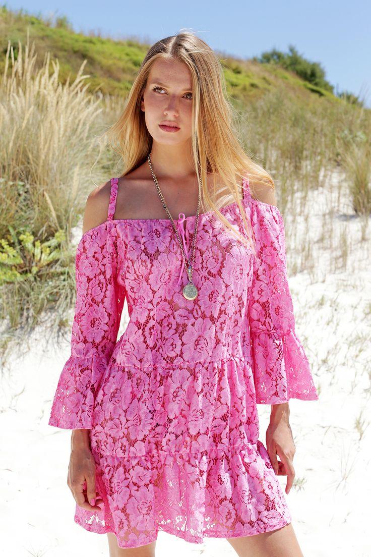 Rosapois Mare summer 2016 Photographer: Settimio Benedusi  #benedusi #rosapois #rosapoismare #beachwear #pink #lace #gorgeous