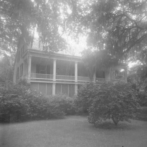 Calumet plantation home in Rosedale Louisiana :: State Library of Louisiana Historic Photograph Collection