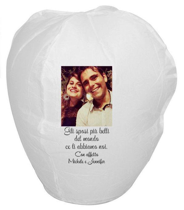 Stuur ons je foto, logo, tekst, tekening, ontwerp en we zetten het voor jou op deze witte  vliegende lantaarn. Leuk voor een verjaardag, bedrijfsfeestje, huwelijk, geboorte, communie, liefdesverklaring...