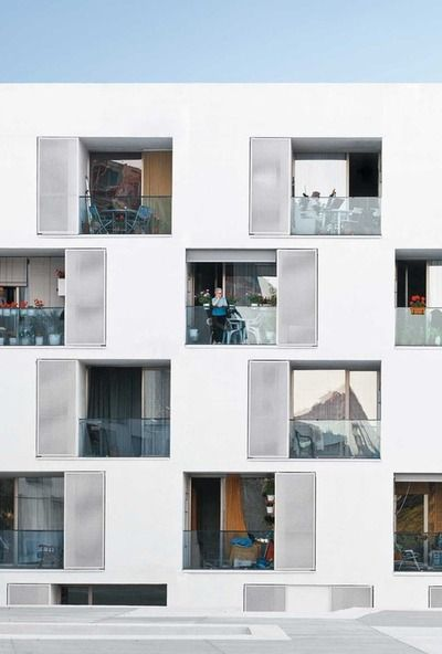 Les 112 meilleures images propos de logements collectifs for Barcelone architecture contemporaine