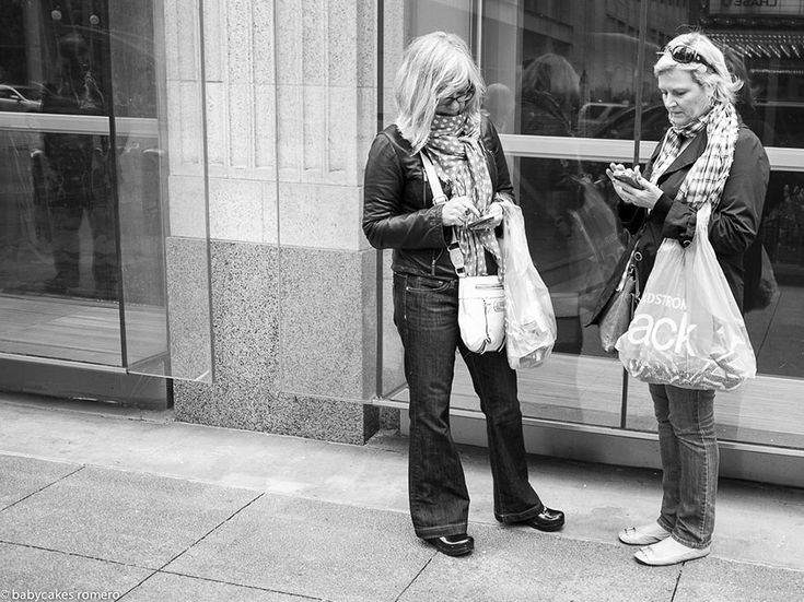 death-of-conversation-smartphone-obsession-photography-babycakes-romero-4 demilked.com, Babycakes Romero