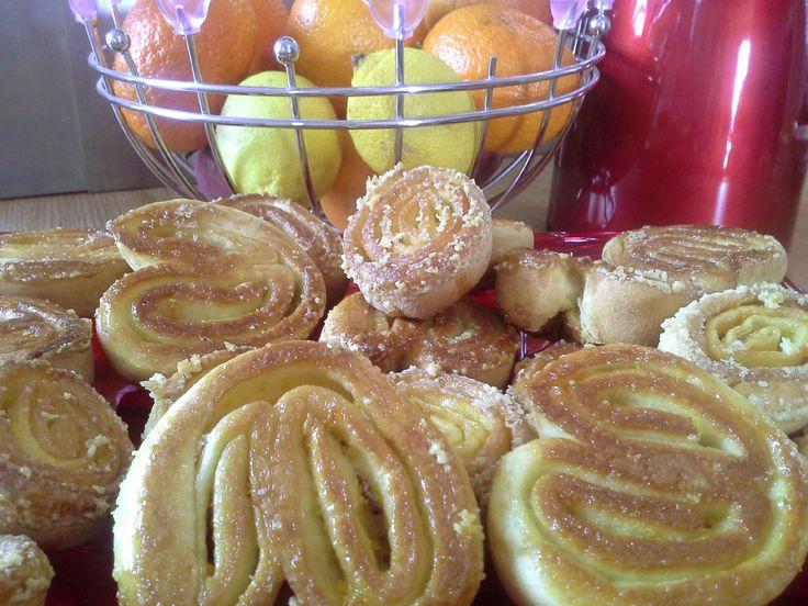 Il Carnevale è alle porte e vogliamo godere dei dolci carnevaleschi anche in versione leggera e cioè senza frittura ma al forno