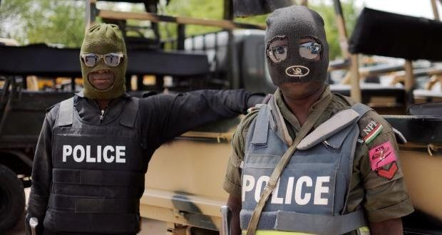 Militants, kidnappers now disguise as security guards – Lagos Police alerts residents -  Click link to view & comment:  http://www.naijavideonet.com/militants-kidnappers-now-disguise-as-security-guards-lagos-police-alerts-residents/