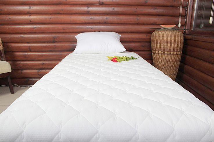 Visco Ped Deluxe King Size (Battal boy) Gerektiğinde misafir yatağı olarak bağımsız olarak da kullanılabilir. Ürünümüz hiçbir sert sünger kombinasyonu içermeyip %100 Visco malzemeyle üretilmiştir. http://www.iyiuyu.com/visco-ped/visco-ped-deluxe-king-size-battal-boy-yatak%20pedi