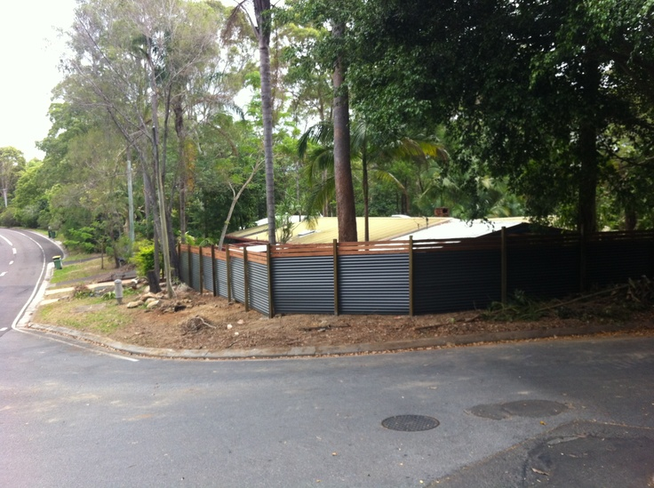 Colourbond and timber screen fence