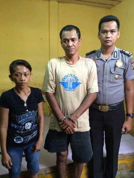 Pihak kepolisian Pekanbaru menangkap sepasang kekasih karena di ketahui telah mencuri , pasangan tersebut mengakui nekat mencuri dikarenakan tidak ada modal untuk menikah.  Kedua tersangka adalah Septihardi ( 44 ) dan Widia Wati ( 36 ) salah satu warga Jalan Cipta Karya Kelurahan Tuah Karya Kecamatan Tampan, Pekanbaru.
