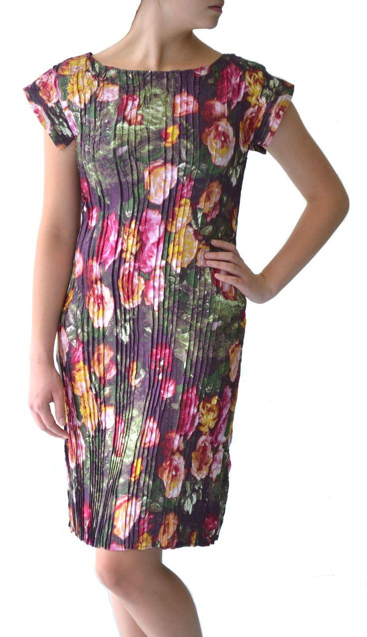 Vintage rose print pleat shift dress #dress #Marden #fashion #vintage #rose #pleat
