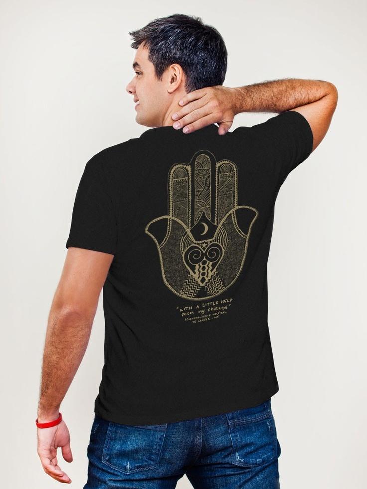 Camiseta Huck Masc. Mão Help