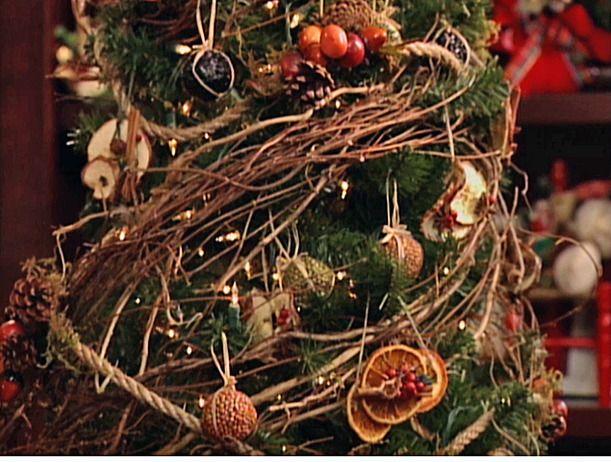 organic christmas decor | natural christmas tree design