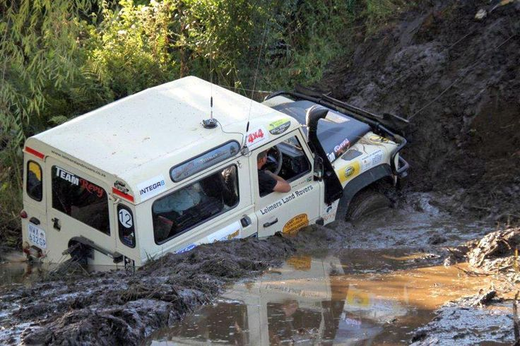 Land Rover Defender 90.... Doing it, just because it can!