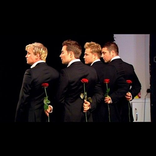 westlife! <3 <3 <3 <3 that flowers are for me #youwish